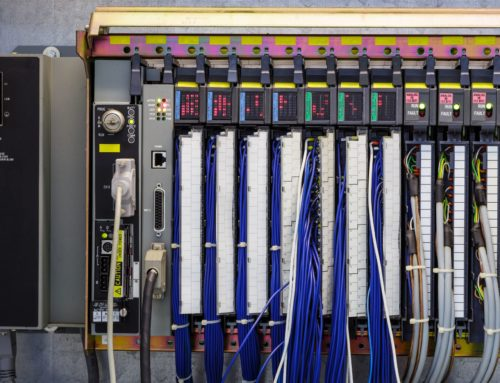PLC – saiba o que é e como utilizá-lo nas indústrias